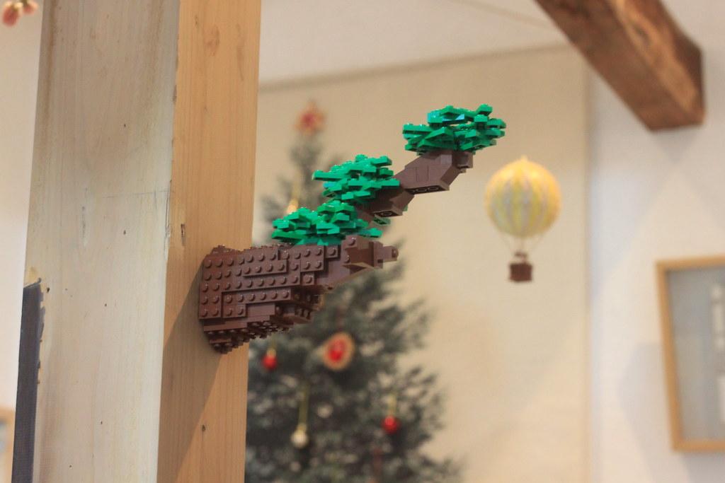 Decorate house with LEGO (progress)