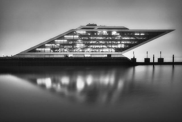 Dockland im Nebel