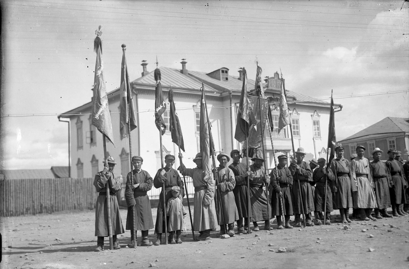1930-е. Празднование Октябрьской революции в Улан-Баторе (2)