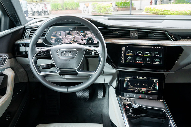 Audi e-tron Sportback_1