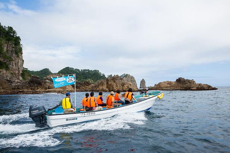 Naik perahu yang mengasyikkan di Jepang