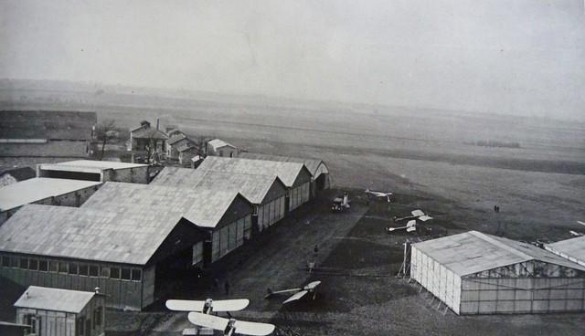 Saint-Cyr Bas Anciens Aérodromes hangars Blériot XI