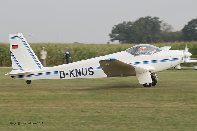 D-KNUS - 1974 build Schleicher ASK 16, arriving at Tannheim during Tannkosh 2013