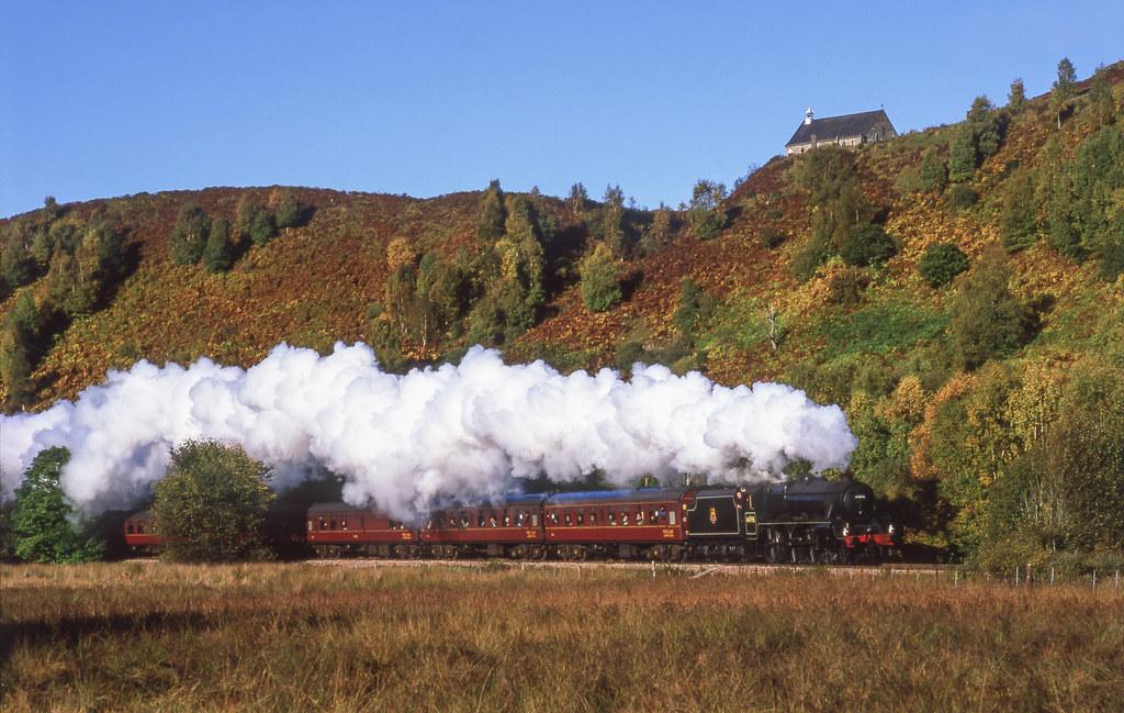 44996 At Achluachrach. 14/10/2004.