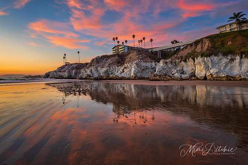 pismo pismobeach cave lowtide seascape sunset clouds reflections explore inexplore getty gettyimages mimiditchie mimiditchiephotography