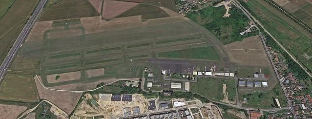 Saint-Cyr Bas Anciens Aérodromes terrain d'aviation pistes