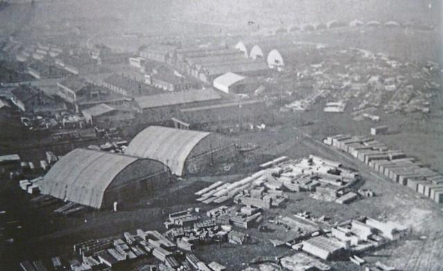 Saint-Cyr Bas Anciens Aérodromes hangars