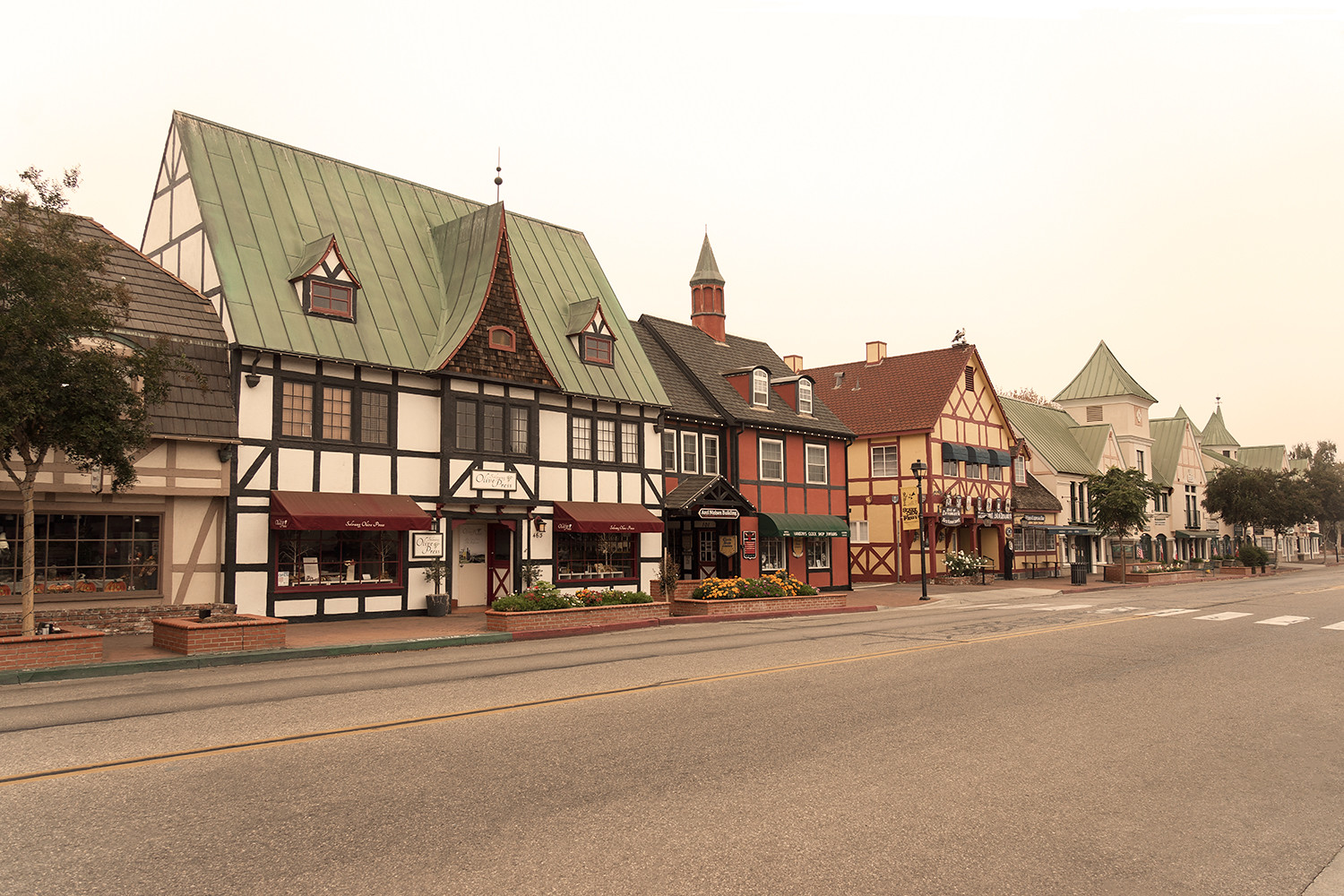 01solvang-california-roadtrip-travel-architecture