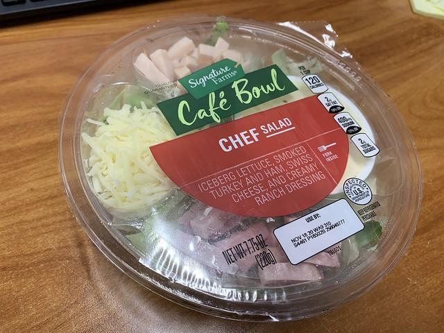 Signature Farms Cafe Bowl Chef Salad