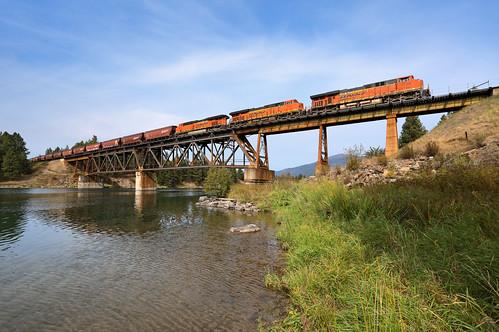 bnsf graintrain es44ac ge 5756 bridge river clarkfork train railroad locomotive mrl montanaraillink mrlfourthsub mrl4thsub montana mt grainempty thompsonfalls belknap