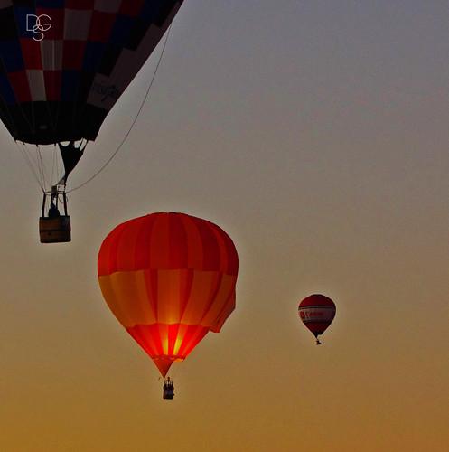 newmexico albuquerque hotairballoon balloon balloonfestival 2017 red sunrise
