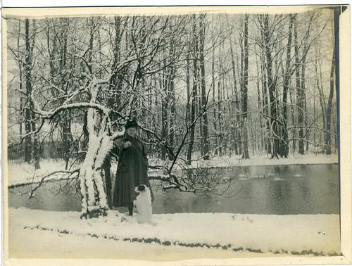 Folmina de Goeijen met Pluck, ca. 1916