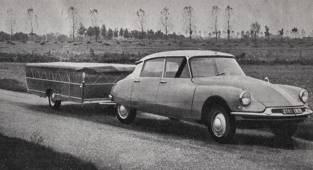 Postcard Citroën ID19 + Caravane Pliante Bison Collection l'Automobile-Magazine 1965a