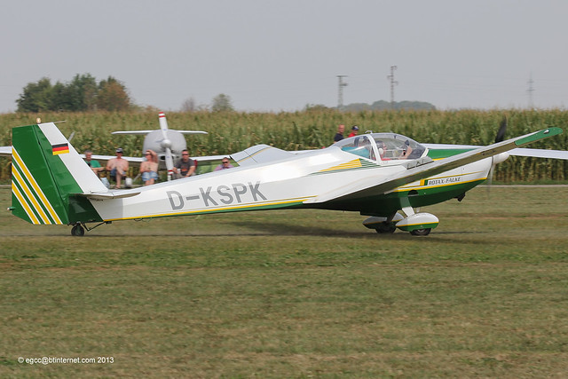 D-KSPK - 1998 build Scheibe SF-25C Rotax Falke, arriving at Tannheim during Tannkosh 2013
