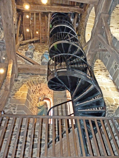 Intérieur clocher, église Saint Léonard...Fougères