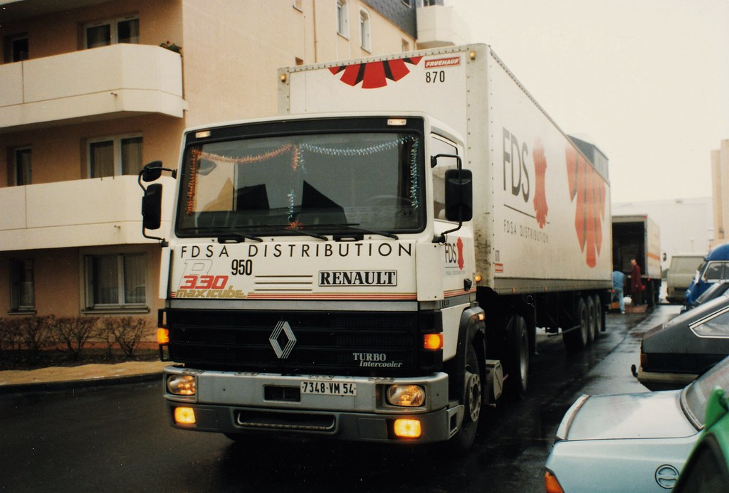 Renault R330 Maxicube N° 950 FDS (France Distribution S.A.) Compiègne (60 Oise) 11-12-90a
