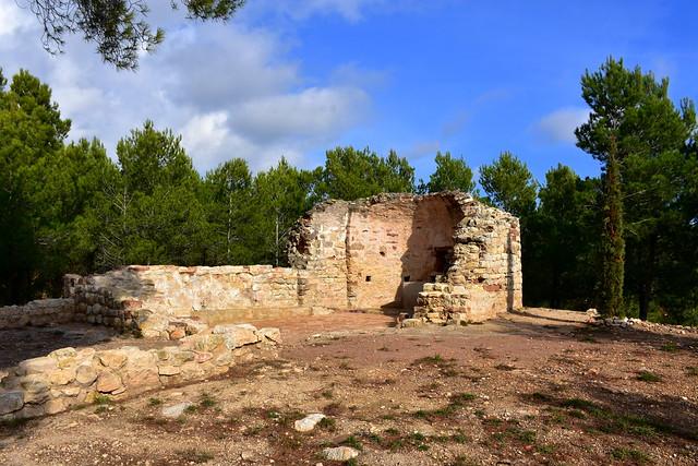 Sant Andreu de l'Avellà, Fontrubí.