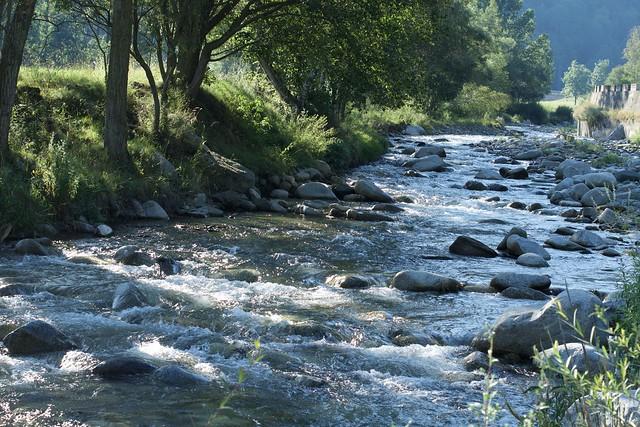 El riu Ter entra a Vilallonga de Ter, Ripollès, Girona. ( a Explore N. 239 - 14 novembre 2020 )
