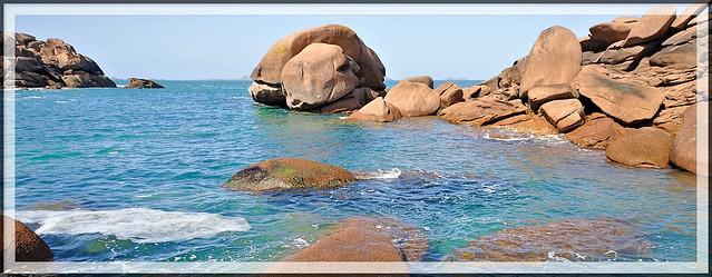 Quand la mer et les rochers ne font qu'un. Ploumanac'h Côte de granit rose