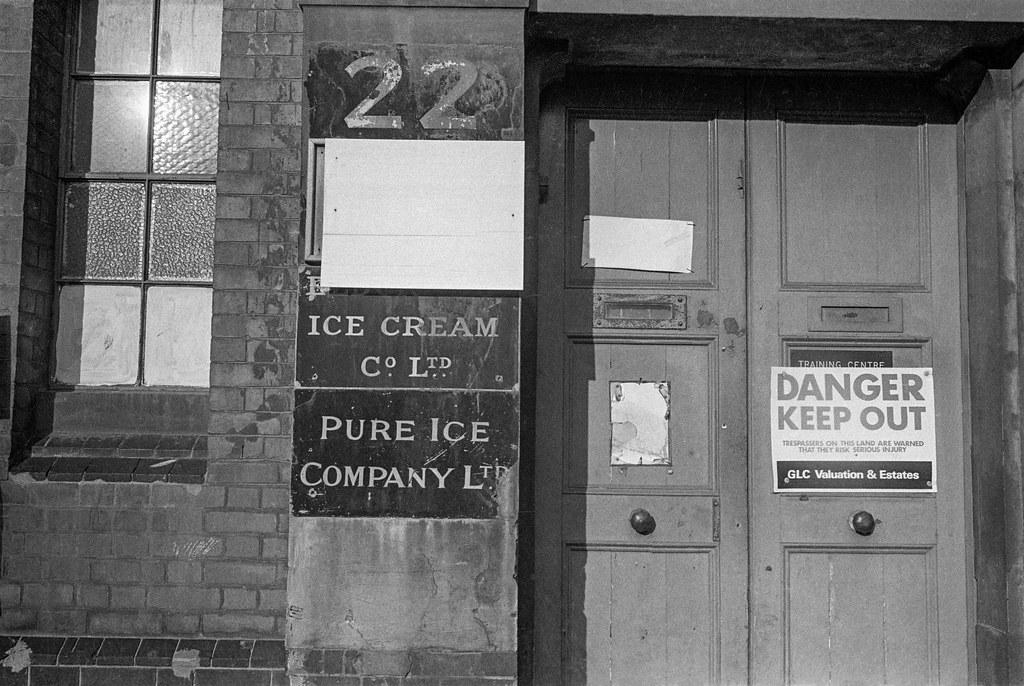 Eldorado Ice Cream Co Ltd, Barge House St, Southwark, 1984 84-11a-43