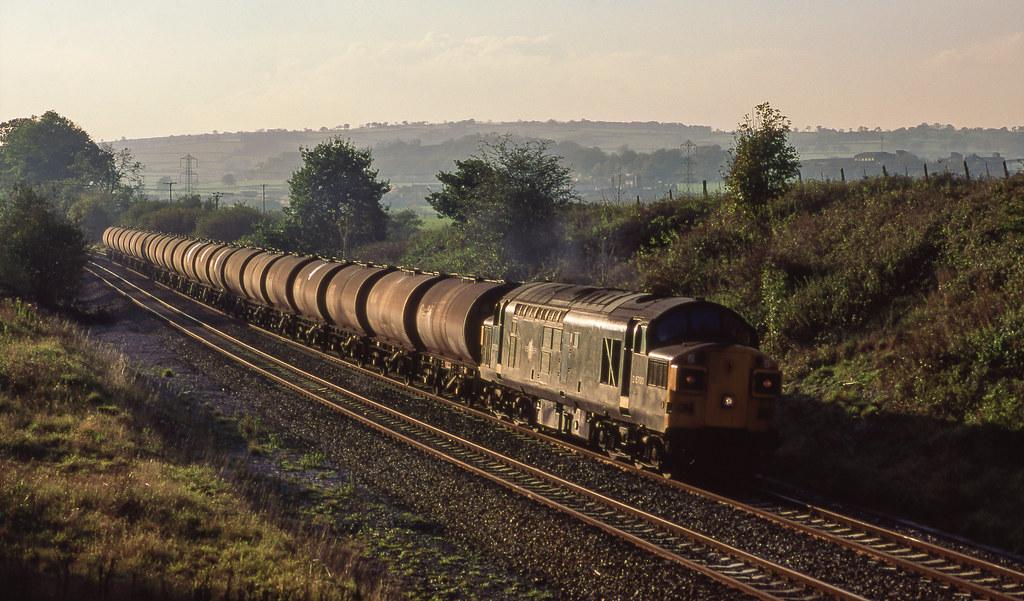 D6700 ( 37350 ) On Burlescombe Bank. 06/11/1990.