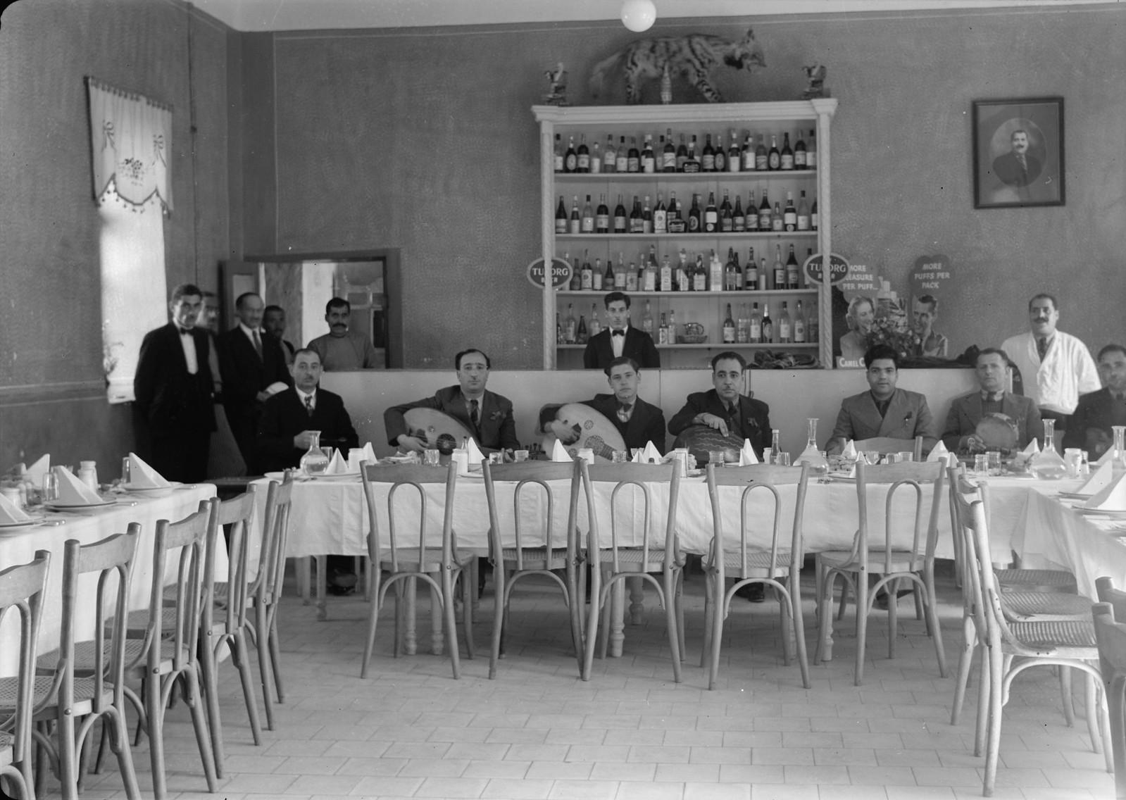 17. Музыканты PBS 'Тахт' развлекали гостей за ужином