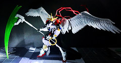 Introducing gundam Azrael the fallen angel of death (unpainted)