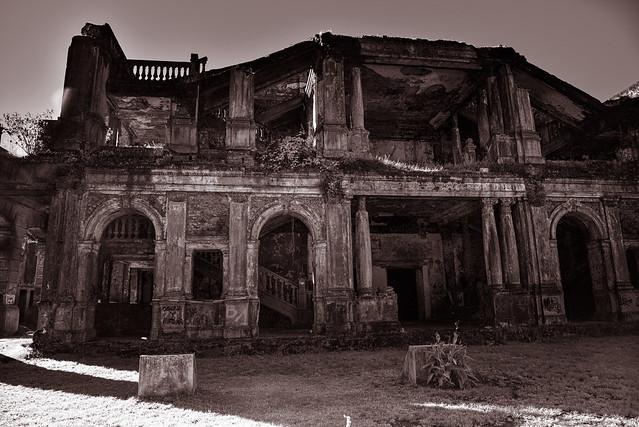 Ruinas del teatro del antiguo liceo de Concepcion
