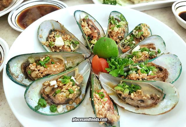 fuji restaurant bangkok mussels garlic