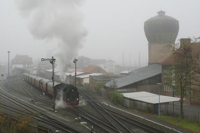 2008-11-02; 0026. HSB 99 7245-6 met Zug 8920. Nordhausen.