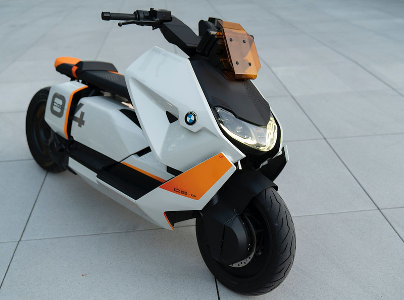 BMW-Motorrad-Definition-CE-04-near-series-electric-scooter-7
