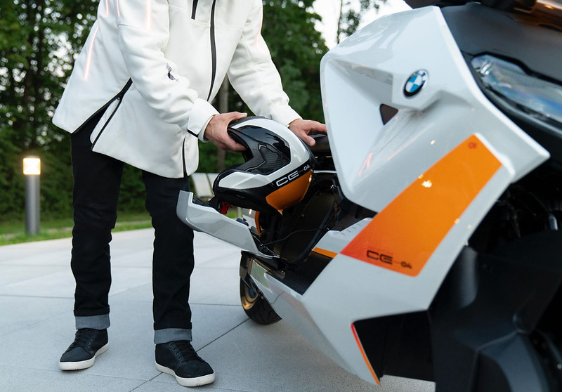 BMW-Motorrad-Definition-CE-04-near-series-electric-scooter-11