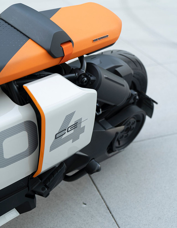 BMW-Motorrad-Definition-CE-04-near-series-electric-scooter-8