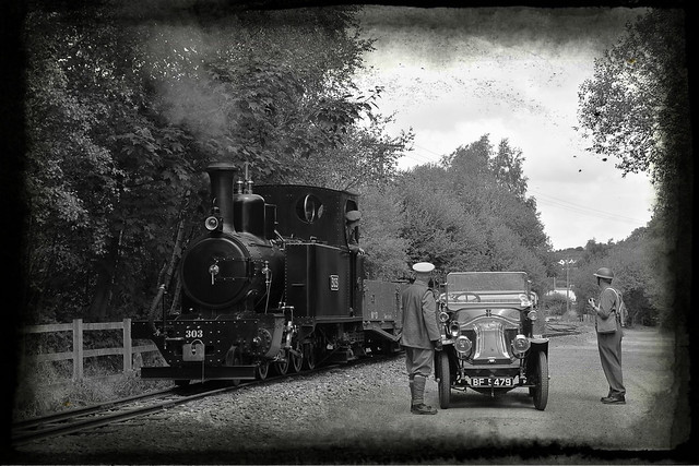 Something attracts the attention of the crews of Hunslet No.303 and a 1914 built Renault car. 30742 Photo Charter Apedale Light Railway. 16 07 2018 pixlr