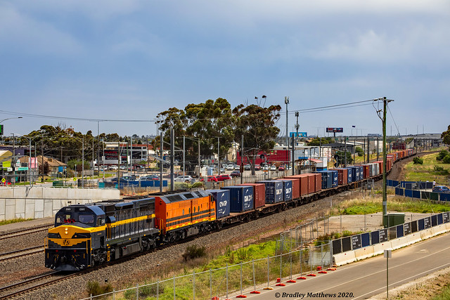SCT Dooen Freight at Aircraft in Laverton on 15/11/2020.