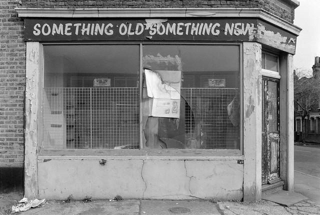 Something Old, Something New, Ilderton Rd, Bermondsey, Southwark, 1985 85-3h-11