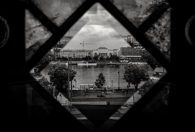 View to the Danube ⬛⬜