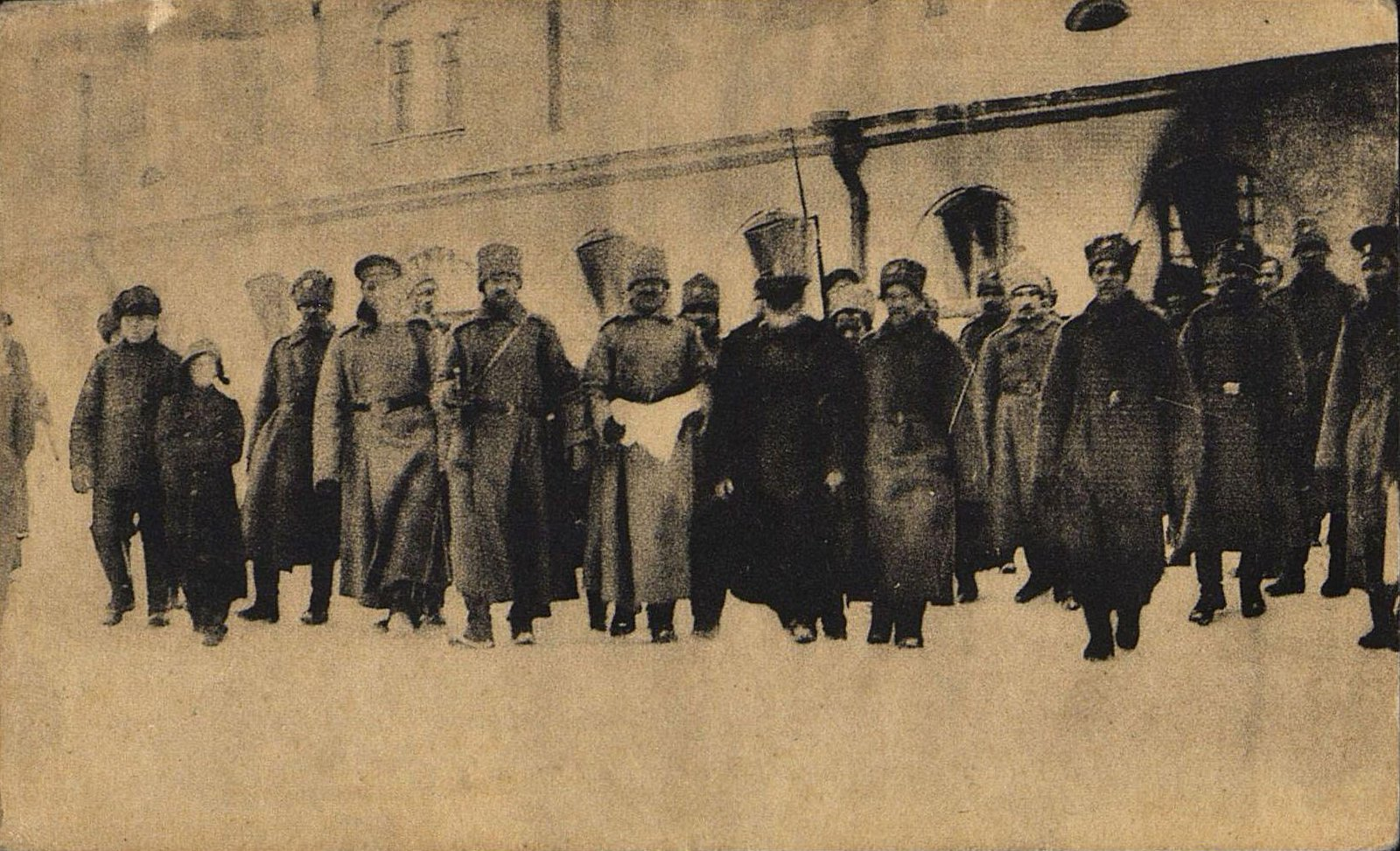 47. Дни революции в Петрограде. Арест полиции