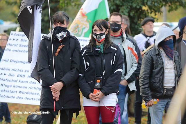 14.11.2020 Potsdam: Neonazis, Reichsbürger & Monarchisten demonstrieren für die Rückkehr des Kaisers