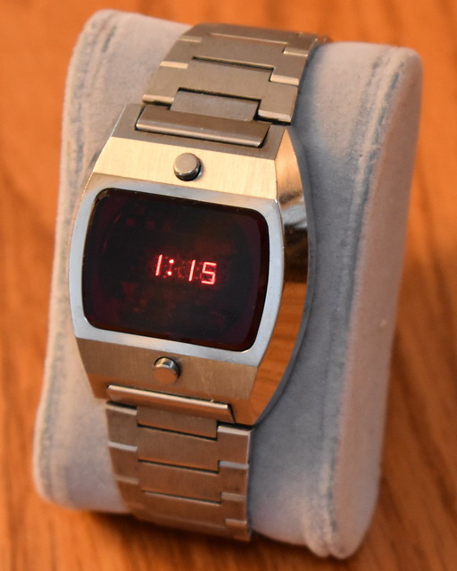 Vintage Men's Electronic Digital Watch With Magnet Setting Similar To Pulsar, LED Display, Sanyo Module, Made In Japan, Circa 1974 - 1977