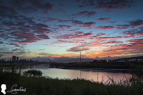 日出晨彩 higrace zero rgnd 09 反向漸層減光鏡 taiwan taipei sky skyfire sunrise 日出 雲 clouds