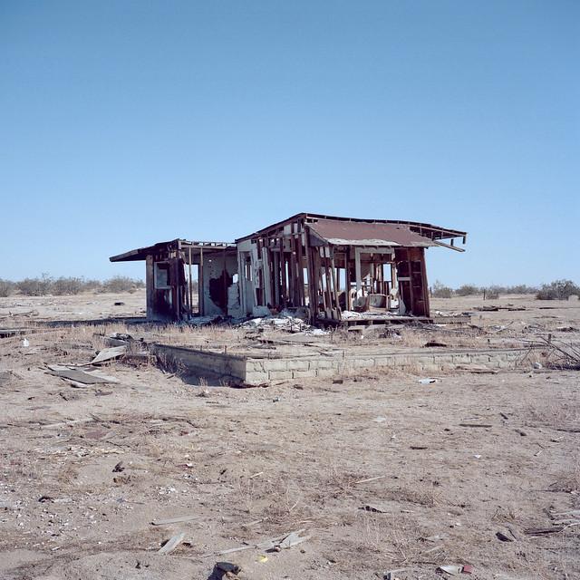 fixer-upper. mojave desert, ca. 2018.