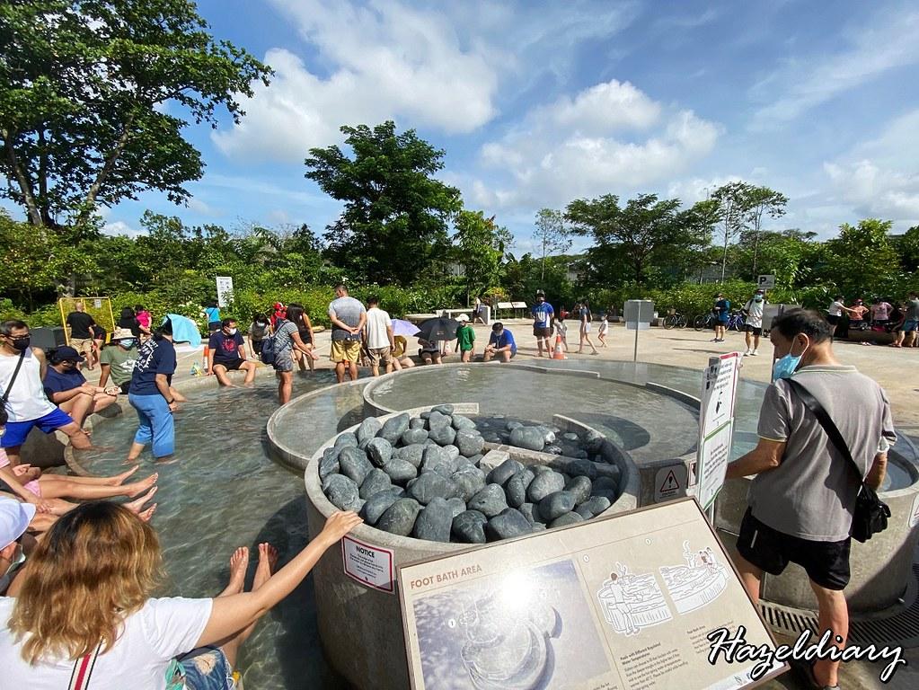 Sembawang Hot Spring Park Singapore-Hot cascading pool