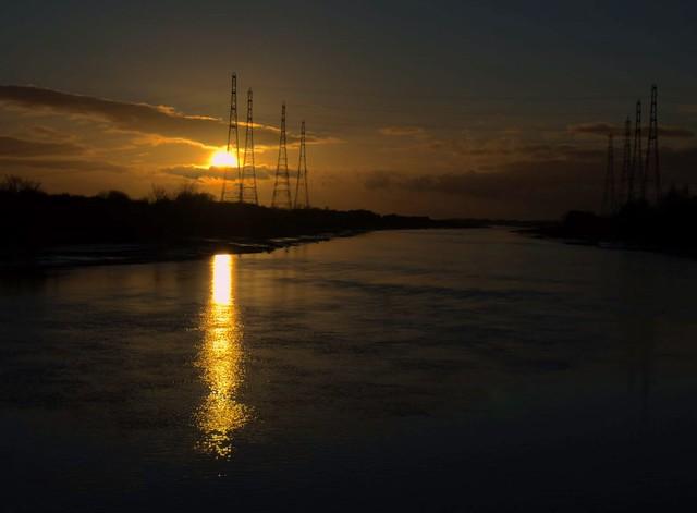 Low Sun over the river at Preston