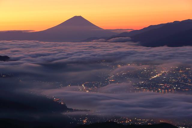 Fuji and sea of clouds
