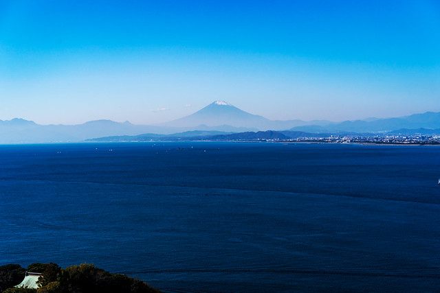 View Mt. Fuji from the Enoshima observation lighthouse : 江の島展望灯台より富士山展望