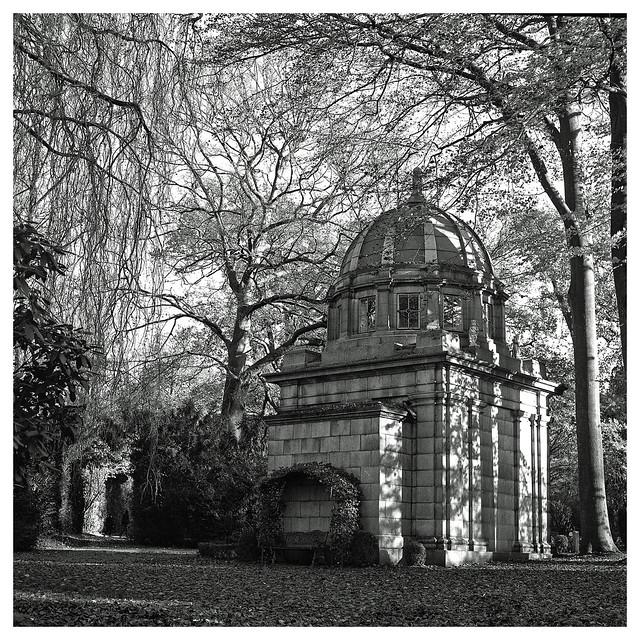 Mausoleum Hoefele, Hamburg-Ohlsdorf (Nr. 1)