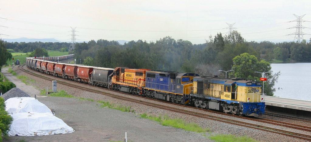 4532 + C507 & L277 SSR #5446 LOADED GRAIN FROM NARRABRI TO CARRINGTON - WARABROOK16th Nov 2020 by Peter Cousins