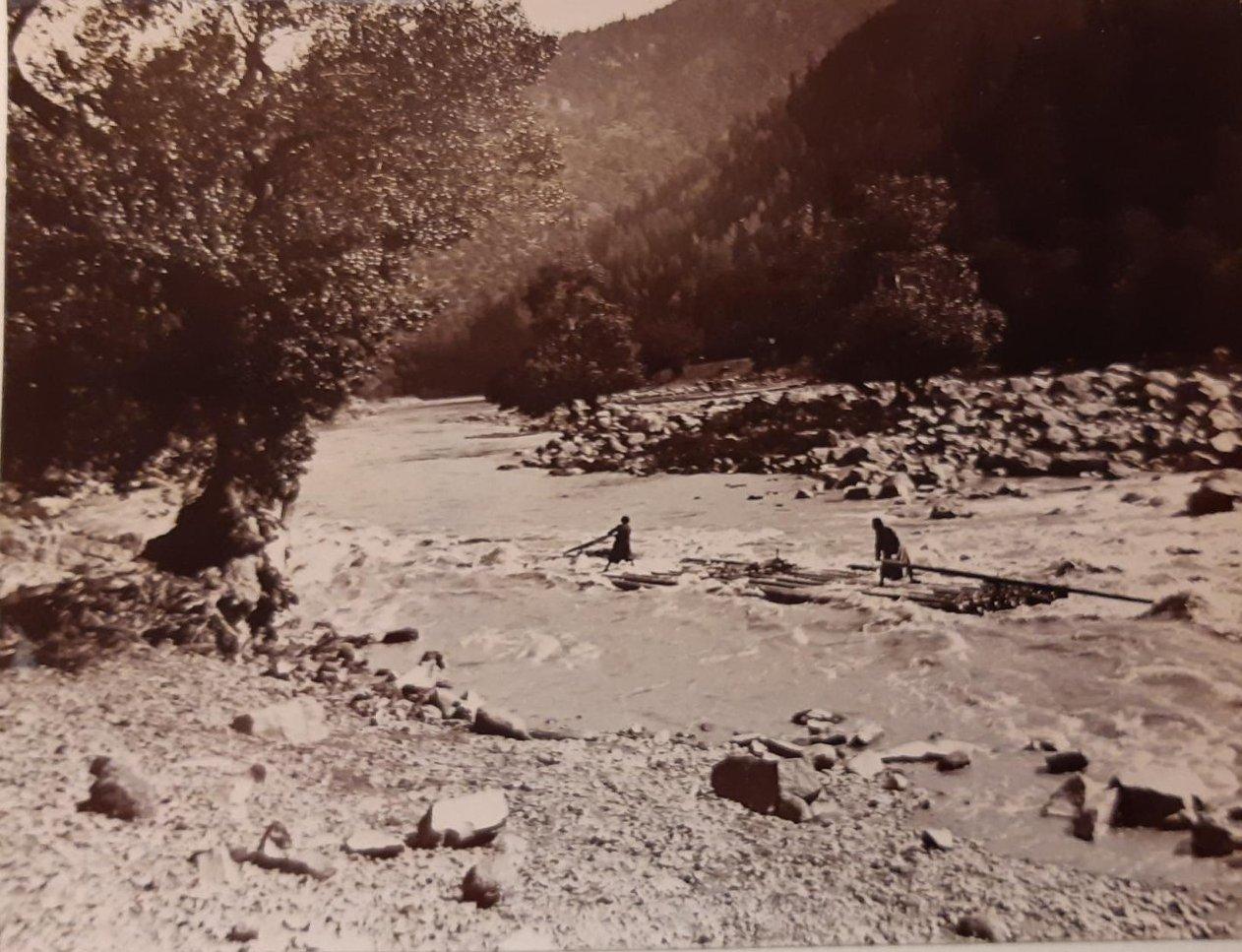 27. «Плот проходит пороги Куры»