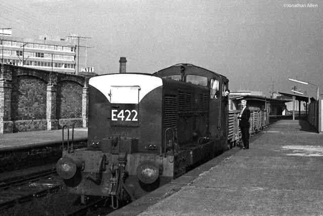 E422 at Tara Street -  1970